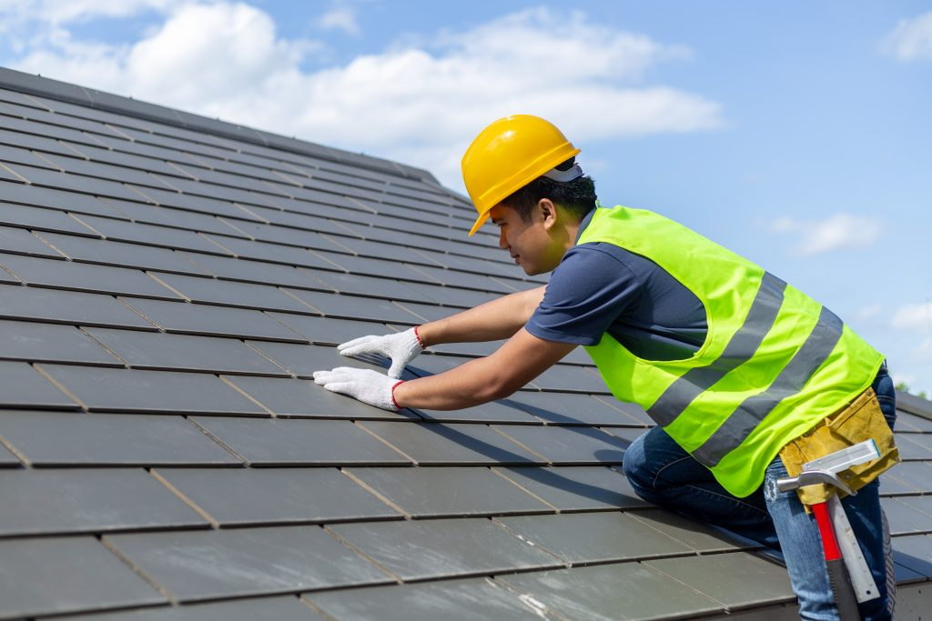 5 Mistakes That Could Cost You More While Roofing